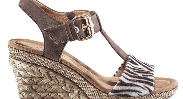 Für ganz Mutige im März: Die sexy Sandale für Jeans & Rock.